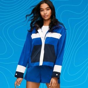 Hunter for Target blue windbreaker with hood